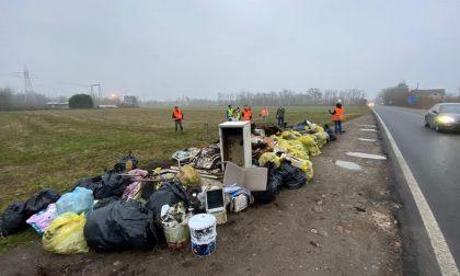 Discariche di rifiuti: Strade Pulite pulisce Pogliano e Parabiago