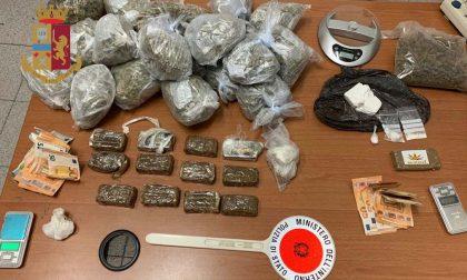 Nascondevano oltre 3 chili di droga in ufficio e in casa