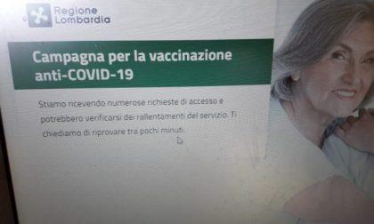 """Prenotazione vaccini over 80: portale preso d'assalto da oltre 114mila utenti…. in coda. Ma la Regione tranquillizza:  """"Il sistema non è in tilt"""""""