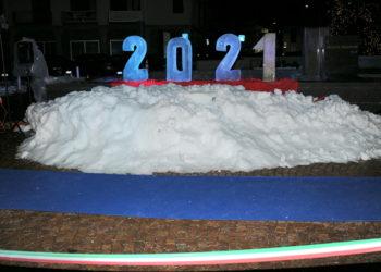 Statua di ghiaccio per Capodanno: svelato il costo
