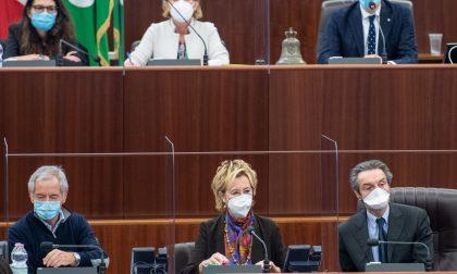 Bertolaso annuncia la terza ondata in Lombardia: varate nuove restrizioni
