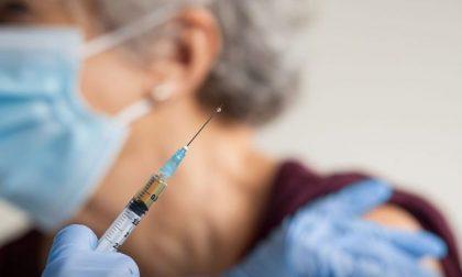 Ormai per le vaccinazioni degli over 60 in Lombardia non serve più la prenotazione