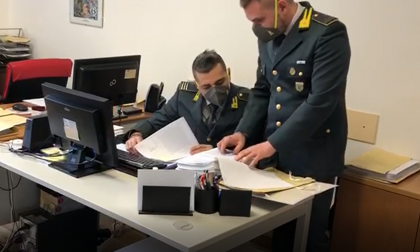 Bancarotta fraudolenta: sequestrati 13 Tir e oltre 500mila euro di beni