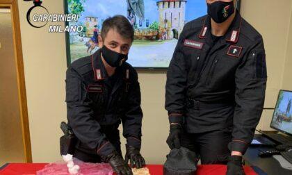 Arrestato pusher di 29 anni: trovati 1500 euro in contanti e 65 grammi di cocaina