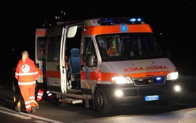 Incidente nella notte, giovane in ospedale