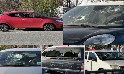 Uomo armato di mazza distrugge decine di auto ad Albairate