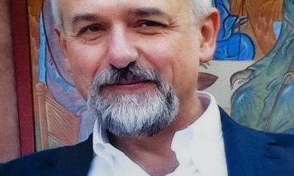 Il mondo della scuola ha detto addio all'amato prof Massimo Conalbi morto mentre faceva lezione