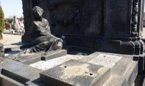 Depredata la tomba del Cavaliere Luigi Bossi