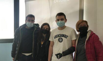 Mano bionica per Leonardo: il 16enne inizia una nuova vita