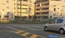 Stalli a pagamento nel parcheggio della stazione di Abbiategrasso