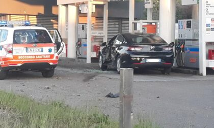 Grave incidente alla pompa di benzina, una persona soccorsa dall'elicottero