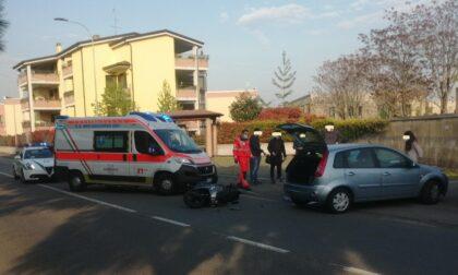 Scontro auto-moto: centauro finisce all'ospedale