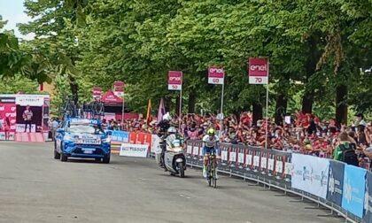 Tripudio rosa a Senago: è partita l'ultima tappa del Giro d'Italia