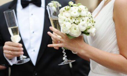 Buffet monodose e distanziamenti. Le regole per i matrimoni