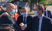 Il governatore Fontana in visita all'hub vaccinale di Abbiategrasso