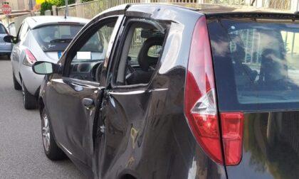Auto contro moto: coinvolti due giovani