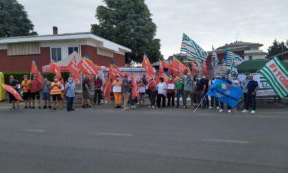 Otto lavoratori licenziati: presidio davanti ad Asm