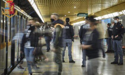 """Controlli in metropolitana, """"espulsi"""" in 17"""