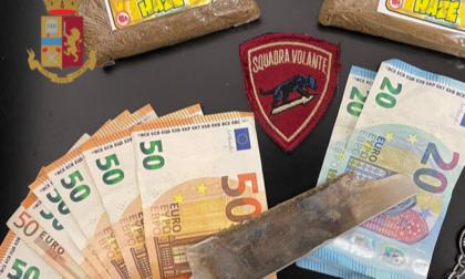 Hashish nel sacchetto delle mascherine: arrestato
