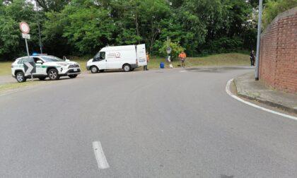 Frontale tra due auto, circolazione interrotta per un'ora
