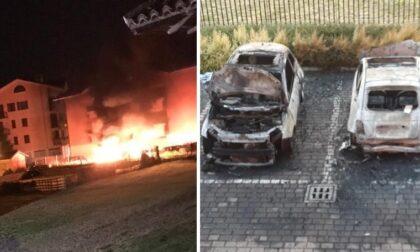 Due auto divorate dalle fiamme nella notte a Gaggiano