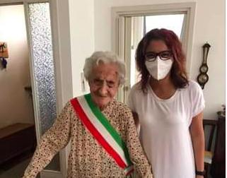 Angela Colombo festeggia 104 anni