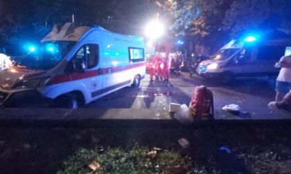 Ambulanza speronata da un Suv durante i soccorsi per un malore