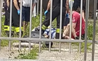 Anziano cade vicino al capannone, arrivano ambulanza e pompieri