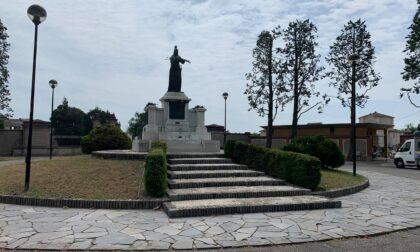 """Razziato il cimitero di Castano. Il sindaco: """"Senza rispetto per vivi e morti"""""""