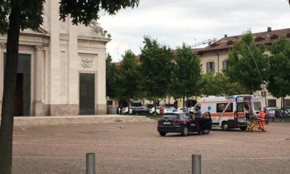 32enne si accascia al suolo: intervengono Carabinieri e ambulanza