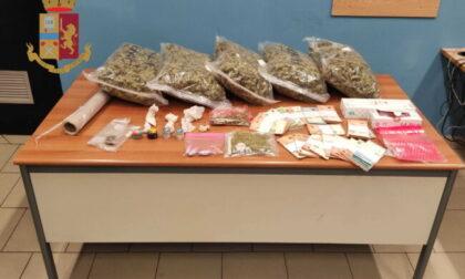 Cinque chili di droga in auto e 20mila euro nel box: arrestato spacciatore