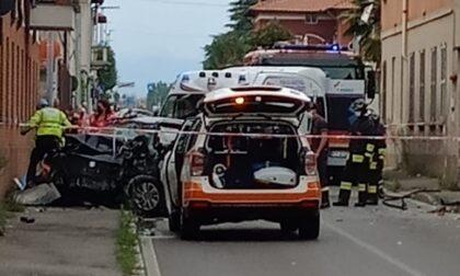 35enne finisce con l'auto contro un muro: è grave