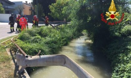 Tragedia: nonno a passeggio con la nipotina muore cadendo nel canale