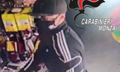 Rapina a mano armata in negozio: arrestato l'autore