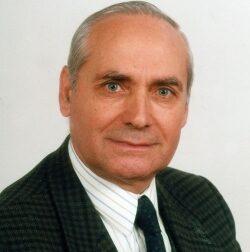 Addio a Francesco Carbone: maestro, preside e anche politico
