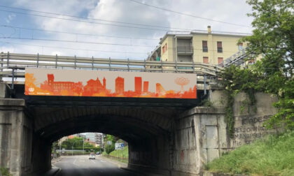 Un nuovo benvenuto della città con lo skyline di Rho