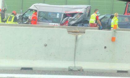 Incidente stradale sulla A9: coinvolte 6 persone, tra loro due bimbi