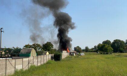 Incendio in un garage di un'abitazione