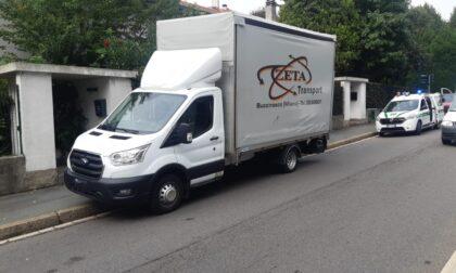 Scontro tra auto e furgone: coinvolti due minori