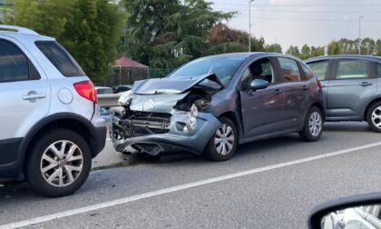 Incidente tra auto: traffico bloccato in corso Europa