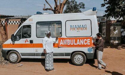 La storica ambulanza della Croce Bianca in missione in Africa