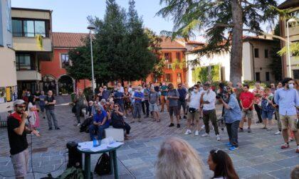 Il presidio antifascista a Gaggiano: critiche anche alle istituzioni