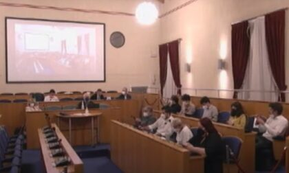 """Il centrodestra diserta il Consiglio: """"Data imposta con un atto di forza"""""""