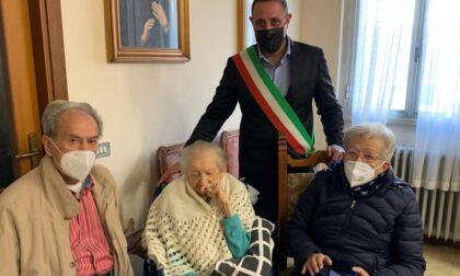Cento candeline per nonna Maria: gli auguri del sindaco
