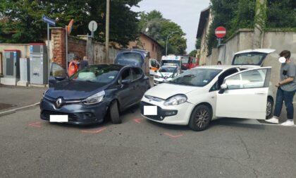 Incidente tra due auto a Parabiago: arrrivano i soccorsi